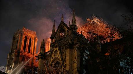 La catedral de Notre Dame de París en llamas, el 15 de abril de 2019.