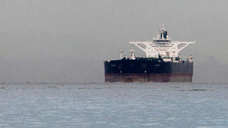El barco petrolero iraní Delvar en Singapur, en marzo de 2012.