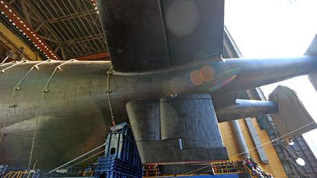 El submarino ruso de propulsión nuclear K-329 Bélgorod