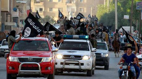 Combatientes del Estado Islámico en Raqqa, Siria, 30 de junio de 2014.