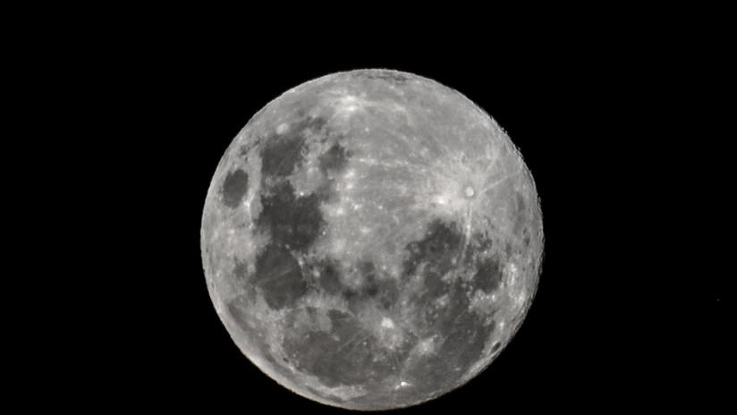 Científicos calculan que el meteorito que se estrelló contra la Luna viajaba a 61.000 kilómetros por hora