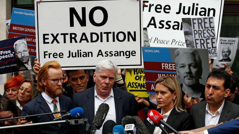 Detenidos y puestos en libertad los españoles acusados de extorsionar a Assange