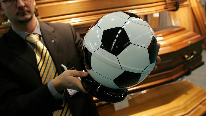Regalan ataúdes como premio a los ganadores de un campeonato de fútbol sala en Perú (FOTOS, VIDEO)