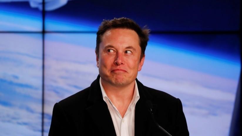 """""""Deja de coquetear, Jeff"""": Elon Musk se burla de la nueva nave espacial que el dueño de Amazon quiere enviar a la Luna"""
