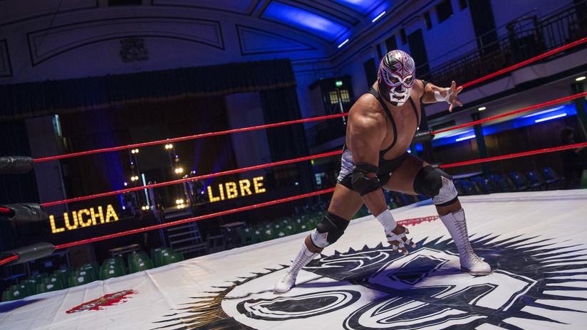 Muere en plena pelea el luchador mexicano Silver King tras sufrir un ataque al corazón