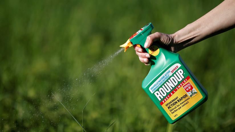 Ordenan a Monsanto a pagar 2.000 millones de dólares después de que uno de sus herbicidas causara cáncer a una pareja