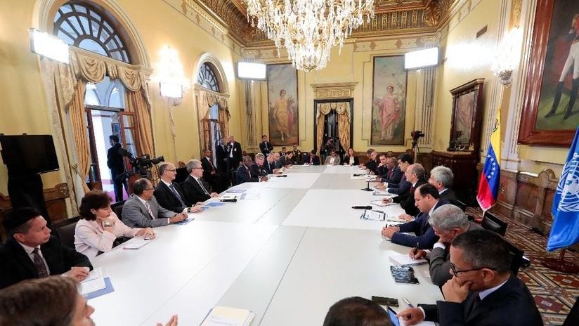 """Maduro se reúne con representantes de la ONU en Caracas para """"perfeccionar el sistema de protección social"""""""