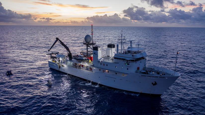 Bate récord de inmersión y halla en el lugar más profundo del planeta...restos de basura de plástico