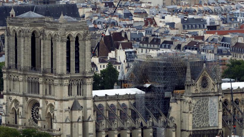 ¿Una piscina en el techo? Proponen un novedoso diseño para restaurar la catedral de Notre Dame (IMAGEN)