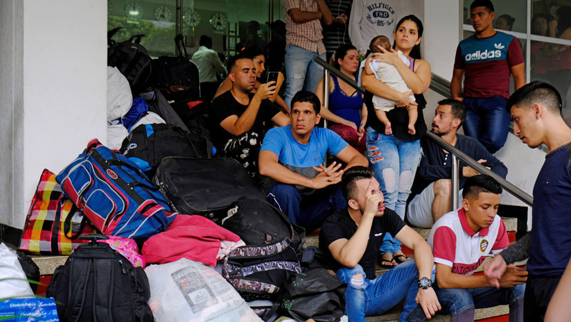 """""""El hospedaje no puede ser eterno"""": Desalojan a militares desertores venezolanos de hotel en Colombia"""