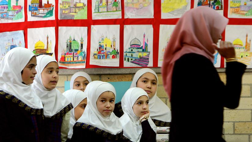 Austria prohíbe el uso del velo islámico en colegios y genera polémica en la Red