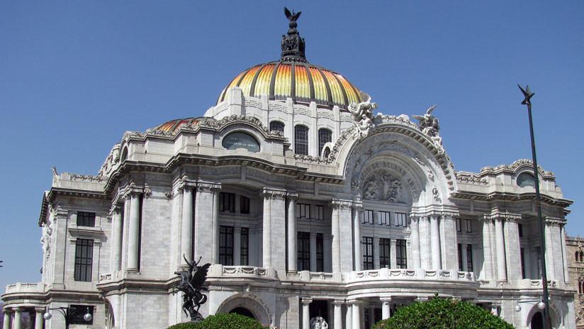 El homenaje a un líder religioso en el mayor recinto cultural de México siembra la indignación en redes