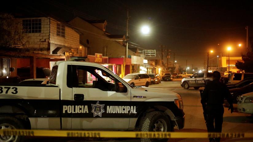 VIDEO: Dos hombres abren fuego contra clientes de un bar en México