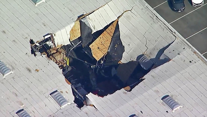 Nueva grabación del momento exacto en que un caza F-16 cae sobre un almacén en California