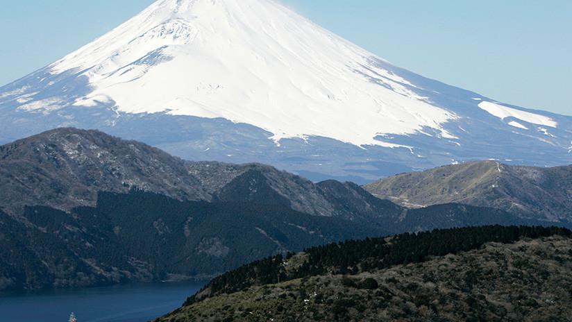 Japón: Elevan el nivel de alerta por la posible erupción de un volcán en un popular balneario