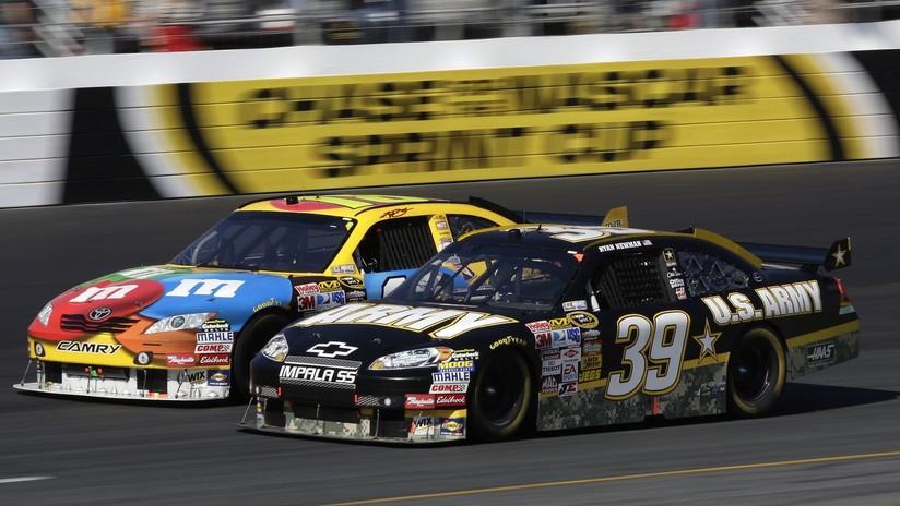 VIDEO: Una carrera de la NASCAR acaba a puñetazos entre dos pilotos