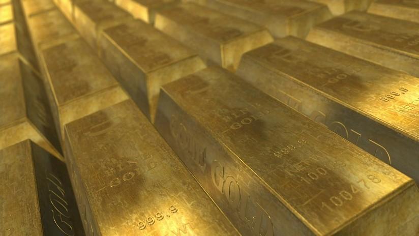 FOTO: Un australiano encuentra una pepita de oro de 1,4 kg con un simple detector de metales