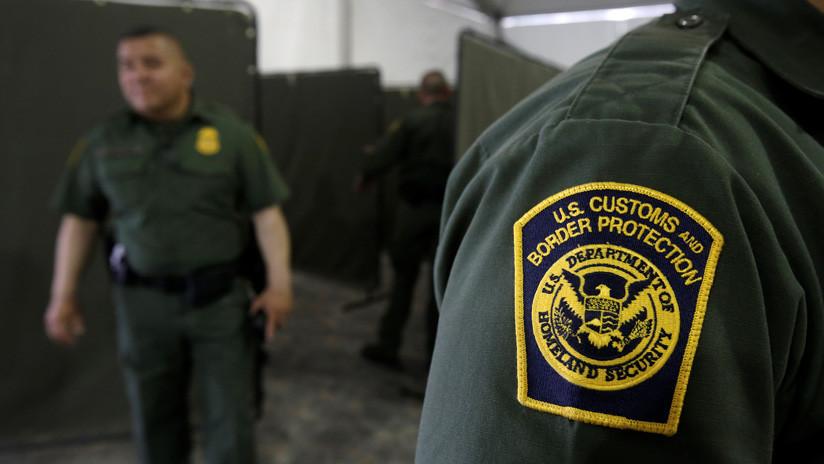Agente fronterizo de EE.UU. será juzgado por atropellar a un migrante tras emitir mensajes de odio