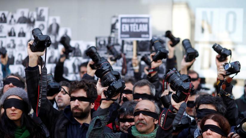 """Trabajadores de la Televisión Pública de Argentina denuncian """"censura"""" y la contratación de """"comisarios políticos"""" en el canal estatal"""