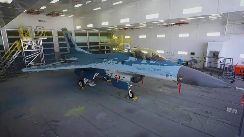 VIDEO: Las Fuerzas Armadas de EE.UU. muestran cómo 'disfrazan' un caza F-16 como un Su-57 ruso
