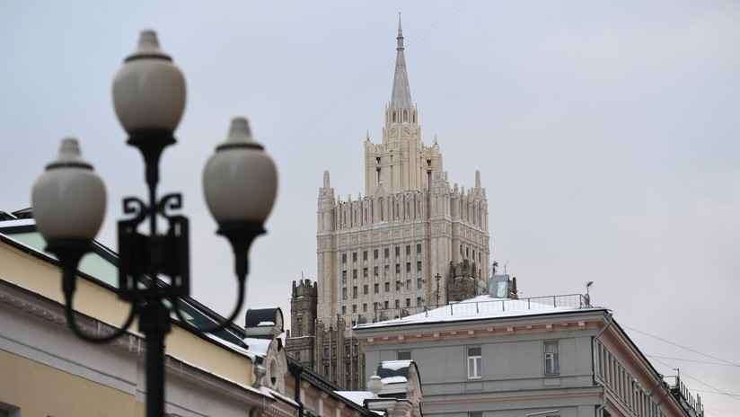 """Rusia sobre las nuevas sanciones de EE.UU.: """"En realidad se trata del deseo de vengarse por nuestra ayuda para fortalecer la defensa aérea de Siria"""""""