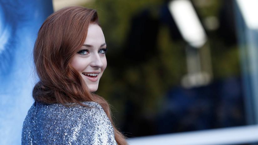 """Un tatuaje de la actriz que dio vida a Sansa Stark en 'Juego de Tronos' resultó ser """"el mayor spoiler"""" del final de la serie"""
