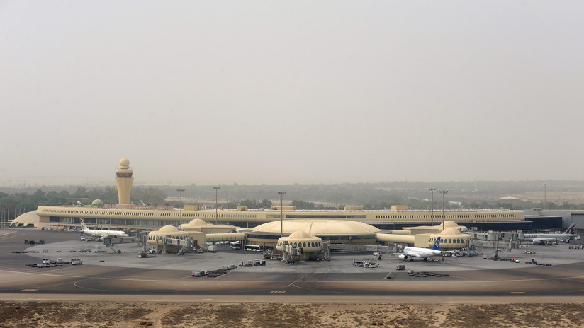 VIDEO: El momento en que Yemen ataca con drones un aeropuerto de Emiratos Árabes Unidos