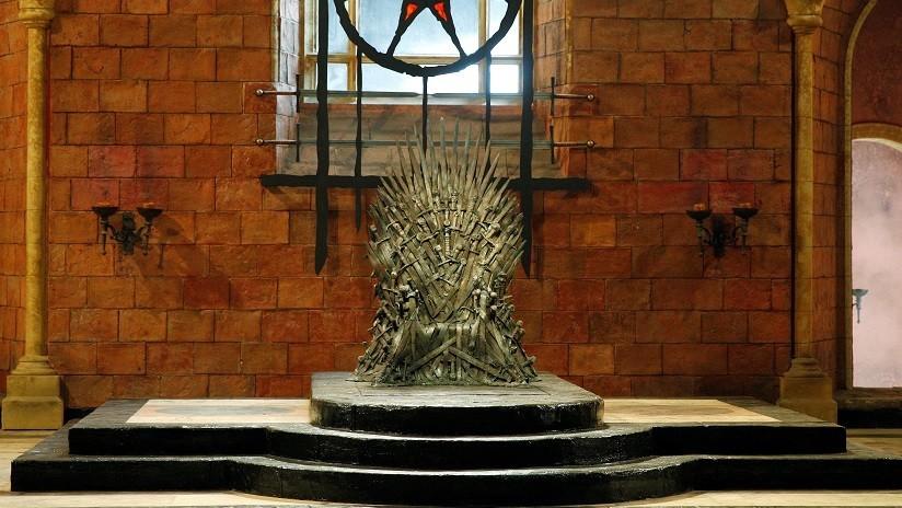 FOTO: Internautas descubren que el póster de la primera temporada de 'Juego de tronos' predijo quién se convertiría en el rey de los Seis Reinos