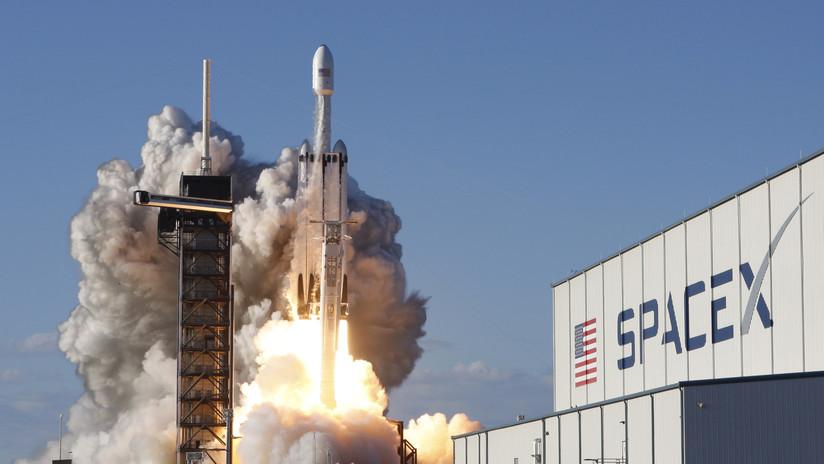 Acusan a un ingeniero de falsificar 38 informes de inspección de partes de cohetes de SpaceX