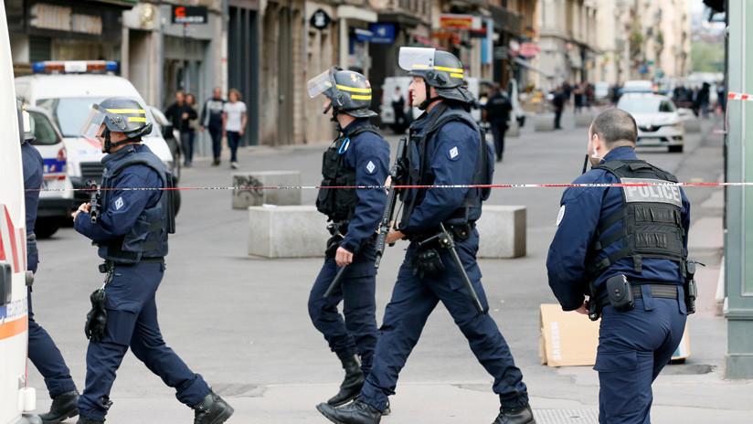 FOTO: Publican la primera imagen del sospechoso de un ataque con paquete bomba en Francia