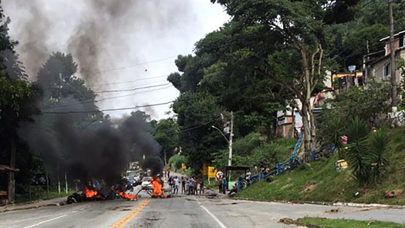 Bloquean con un cadáver una carretera de Brasil para protestar por operativo policial en una favela