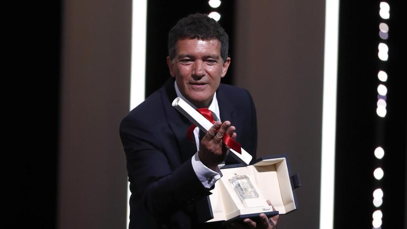 Antonio Banderas gana el premio al mejor actor del Festival de Cannes por su papel en 'Dolor y Gloria'