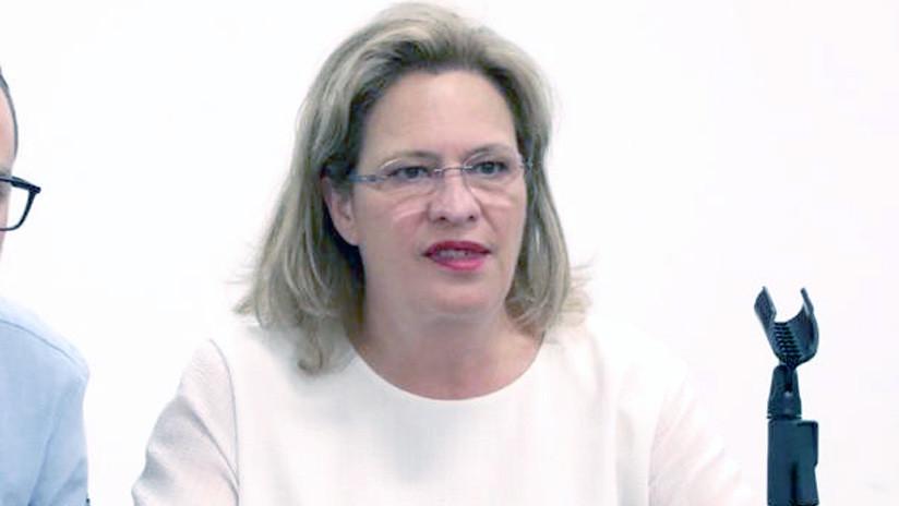 Dimite la ministra de Medio Ambiente de México tras causar el retraso de un vuelo comercial