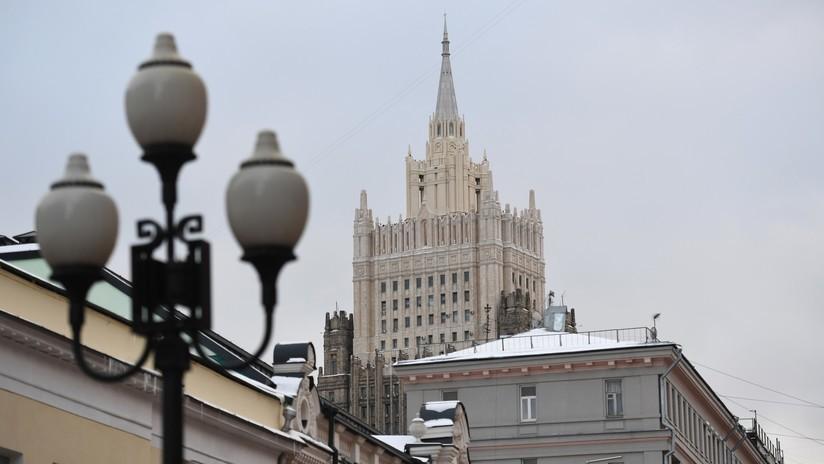 """El Ministerio de Exteriores ruso califica de """"acto indignante"""" la detención de un ciudadano ruso en la operación de la Policía de Kósovo"""