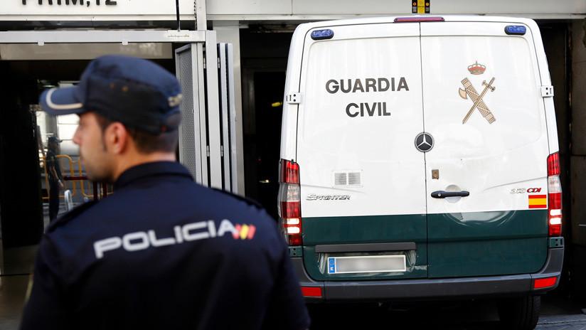 España: Se entrega la expareja de la mujer que se suicidó tras la difusión de un video con contenido sexual