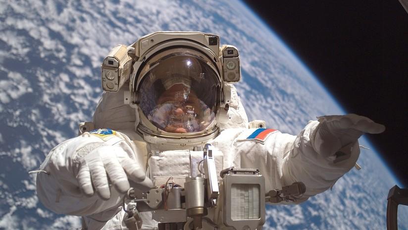 Científicos analizan una toalla que estuvo 10 años en el exterior de la Estación Espacial Internacional