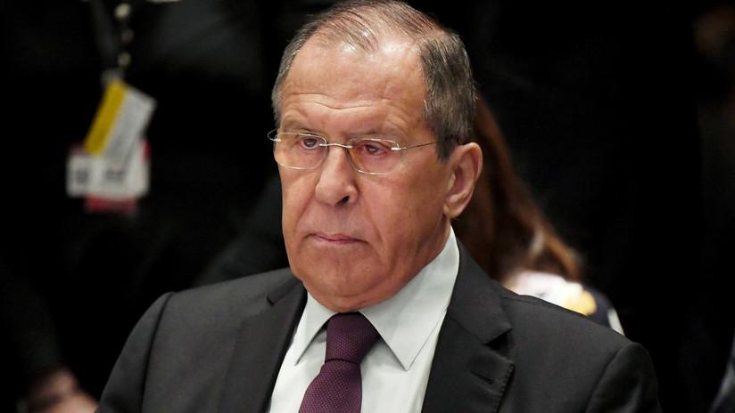 """Lavrov califica de """"absolutamente inaceptable"""" la actitud de las autoridades de Kósovo hacia el empleado ruso de la ONU detenido"""