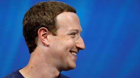 El fundador de Facebook, Mark Zuckerberg, pronuncia un discurso durante la Convención VivaTech 2018 en París, Francia, el 24 de mayo de 2018.