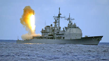 Lanzamiento de un misil interceptor SM-3 desde el crucero estadounidense USS Shiloh.