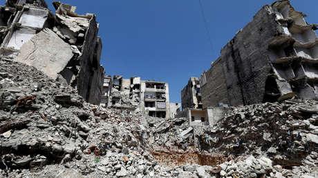 Escombros y edificios dañados cerca  del distrito de Alepo, Siria, 13 de abril de 2019.
