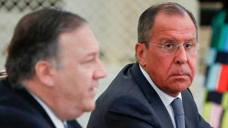 El ministro de Exteriores de Rusia, Serguéi Lavrov, y el secretario de Estado de EE.UU., Mike Pompeo, en Sochi.