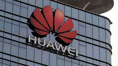 Logotipo de Huawei en Dongguán, provincia de Cantón, China.