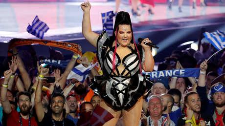 La ganadora del Festival de la Canción de Eurovisión 2018, Netta Barzilai de Israel, actua durante la primera semifinal de la edición de 2019 del concurso, en Tel Aviv, el 14 de mayo de 2019.