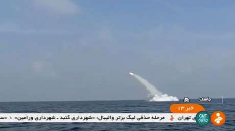 Prueba de un misil de crucero iraní desde un submarino en el estrecho de Ormuz, el 24 de febrero de 2019.