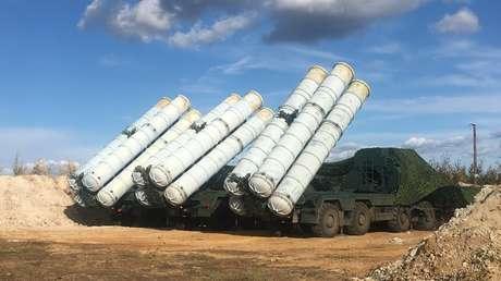 Sistemas antiaéreos S-400 en el polígono de Tsugol, Rusia