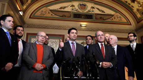 Carlos Vecchio y miembros del Comité de Exteriores en el Capitolio, Washington, 30 de enero de 2019.