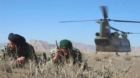 Ejercicios militares en Isfahán (Irán)