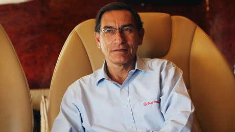 El presidente Martín Vizcarra habla durante una entrevista con Reuters. Perú, 17 de mayo de 2019.