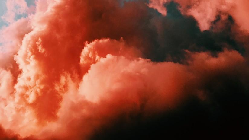La NASA capta espectaculares imágenes de nubes 'brillantes' en el cielo de Marte (FOTOS)