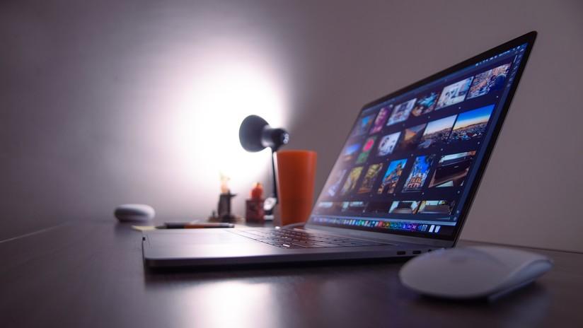 """VIDEO: Un hombre afirma que su MacBook Pro se incendió y explotó durante un """"uso normal"""""""